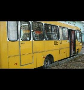 Продаю автобус ГолАЗ.