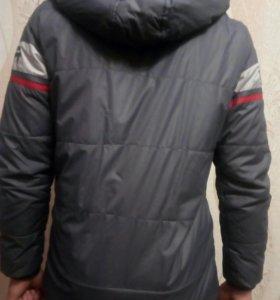 Куртка осенняя для мальчика 12-13 лет.