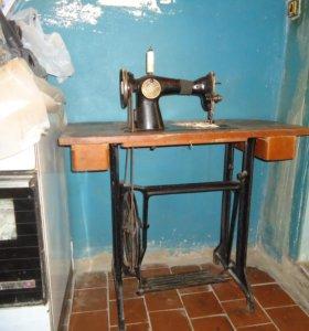 швейная машинка в хорошем состоянии