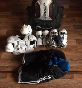 Продам хоккейную форму без СУМКИ!!!