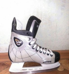 Коньки хоккейные детские