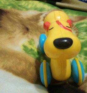 Инерционная собачка. Игрушка-каталка