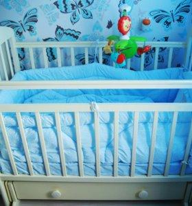 Продам детскую кроватку -маятник