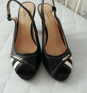 Туфли 35 размера из натуральной кожи