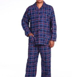 Очень теплая мужская пижама.