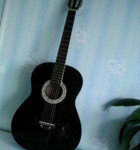 Гитара шестиструйная