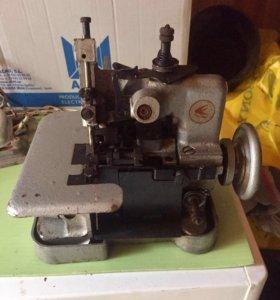 Швейные машинки и оверлоки СССР