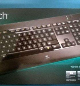 Logitech k800