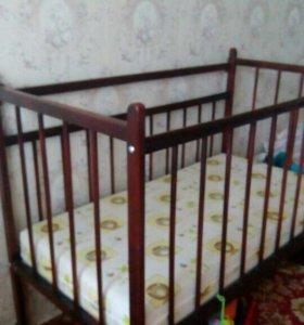Детская кроватка,матрац