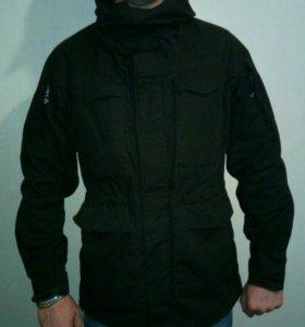 Крутая куртка влагостойкая