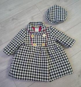 Стильное пальто с береткой