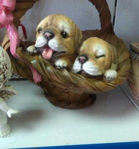 Корзинка с щенками