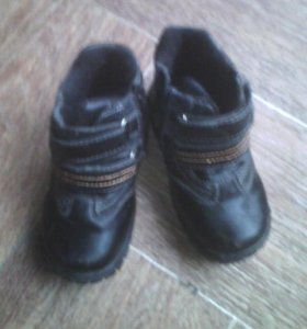 Ботинки р25