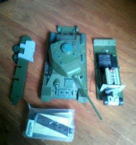Танк Т-34-85 1:16