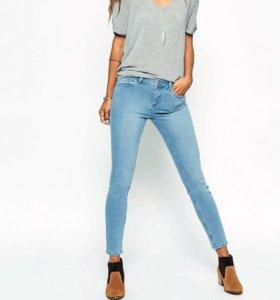 Zara джинсы разме s 36-38