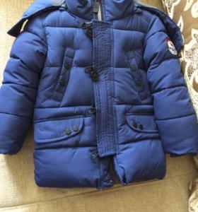 Зимняя куртка в отличном состоянии 3- 4 года