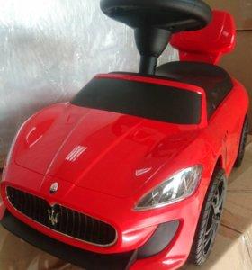 Машина -каталка Мазератти ,Maserati