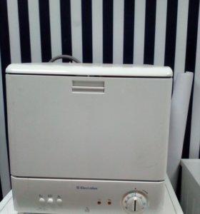 Продаётся посудомойка Electrolux ESF 245