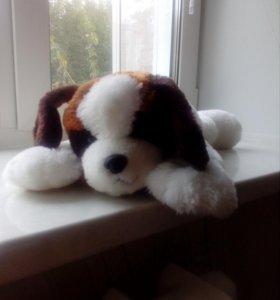 Продам мягкую игрушку белая собачка