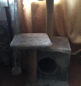 Домик для кошки с когтеточкой и игрушкой