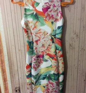 Платье с ярким принтом H&M