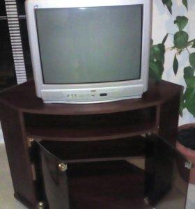 Телевизор с тумбой.