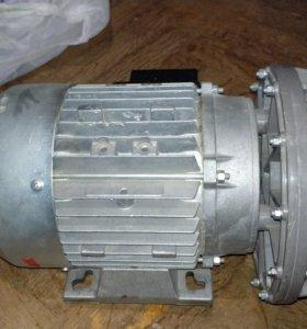 Клетчатка турбины вместе с мощным мотором в сборе.