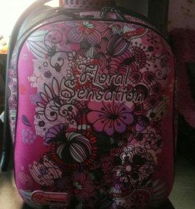 Продам рюкзак для девочки.