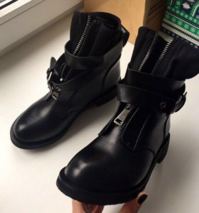 Ботинки осенние новые