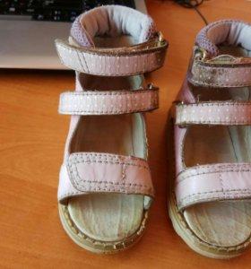 Ортопедические антивальгусные сандалии