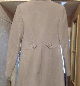 Пальто кашеморовое
