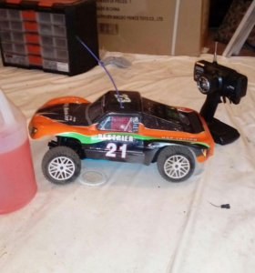 Машина на радиоуправлении с двс