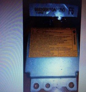 Блок управления SRS airbag Ниссан Кашкай j10 98820