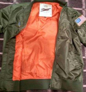 Куртка бомбер/пилот новая