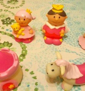 Много резиновых игрушек