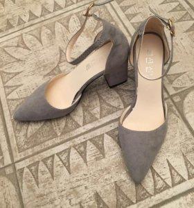 Новые туфли 34-35 размера