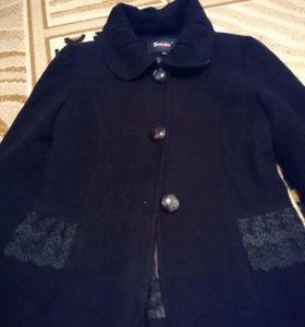 Тёпленький пиджак-пальто в отличном состоянии.