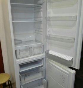 холодильник HOTPOINT/ARISTON RMBA 2185