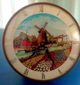 Часы старинные настольные механические Европа