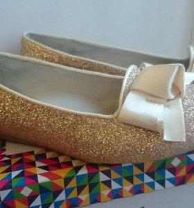 Золотые туфли на праздник 34 р-р