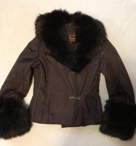 Куртка с отстегивающимся мехом р.40-42
