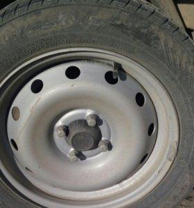 Шины15 все 4 колеса.без дисков.