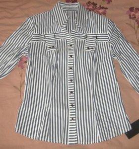 Новая приталенная блузка в серую полоску Mertex
