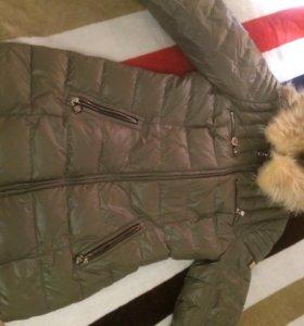 Зимний пуховик с мехом из лисы