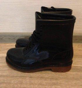 Резиновые ботинки с носком
