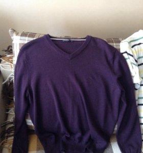 Продам две футболки,рубашку,кардиган,джемпер