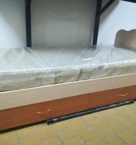 Кровать с матрасом 80см