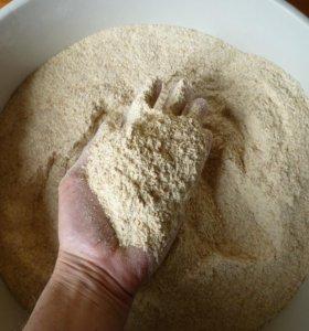 Мука пшеничная цельнозерновая РУЧНОЙ ПОМОЛ