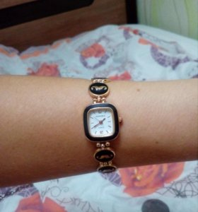 Продам новые часы наручные с ремешком репочкой