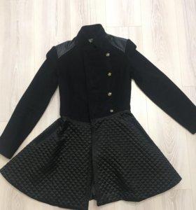 Пальто чёрное осень